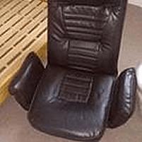 革の座椅子