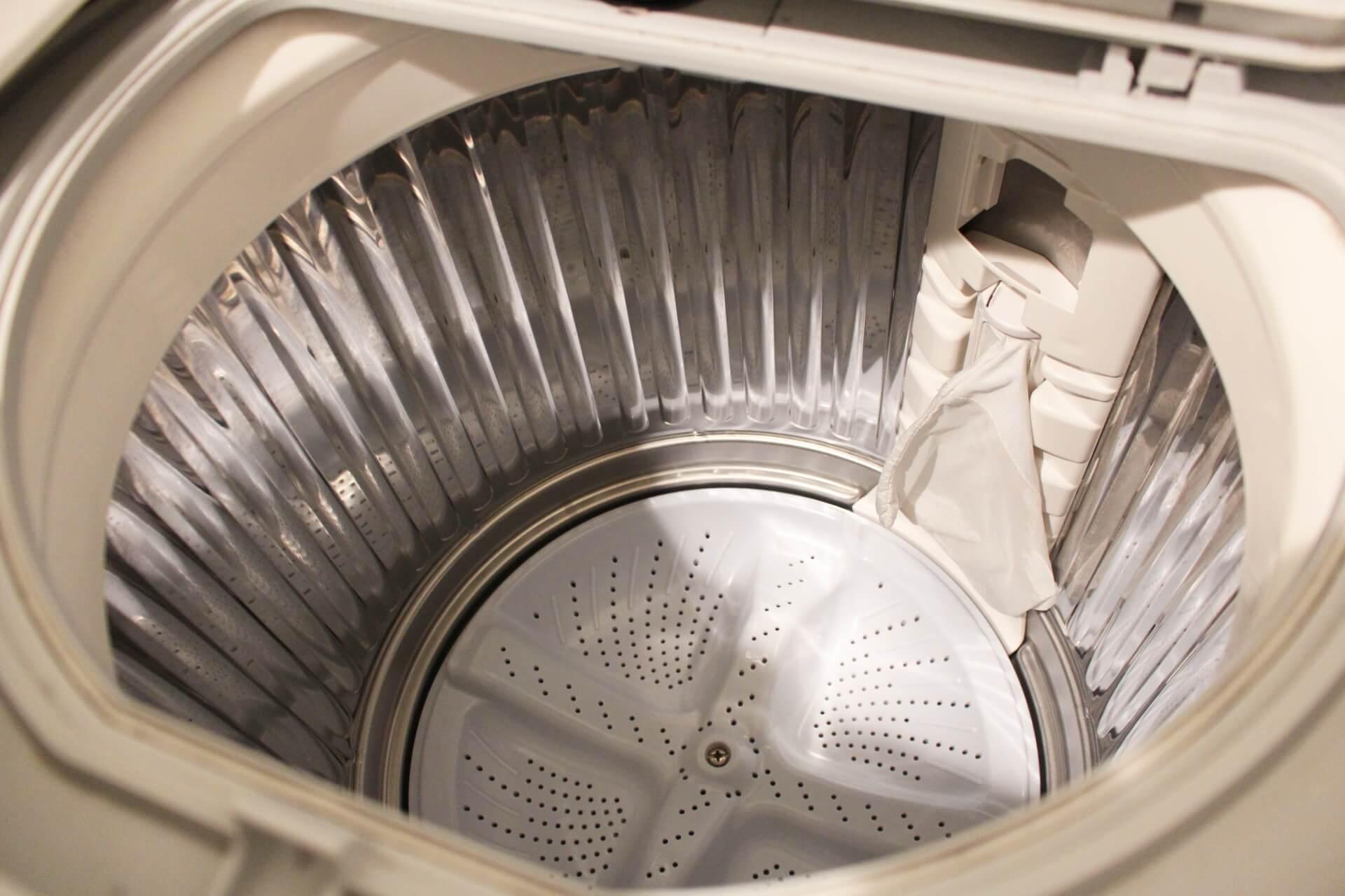 処分される洗濯機のイメージ写真です